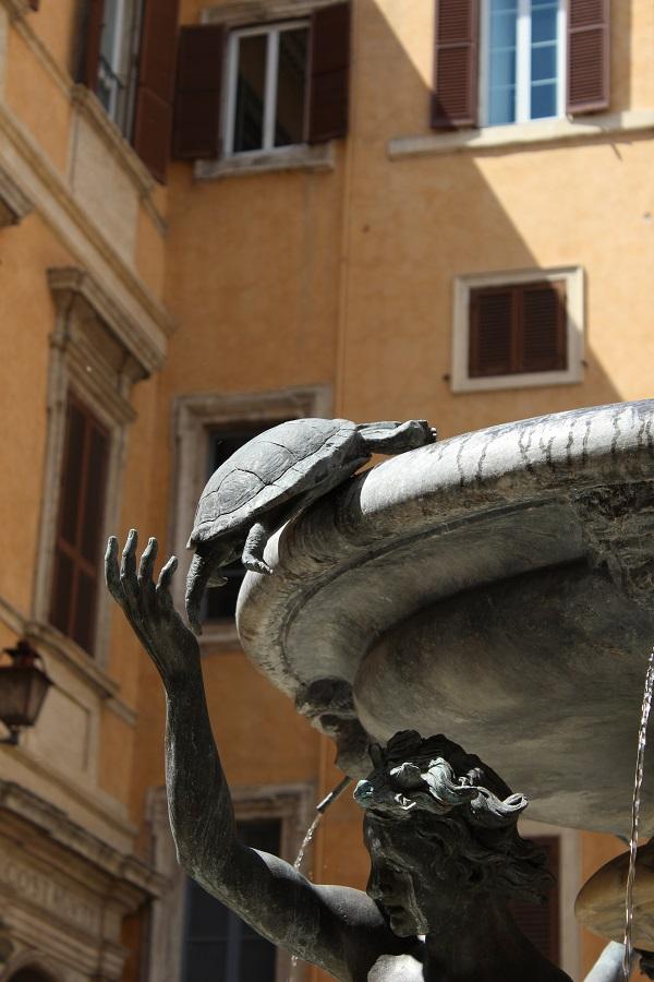 11. Fontana delle Tartarughe, de schildpaddenfontein op Piazza Mattei, Getto