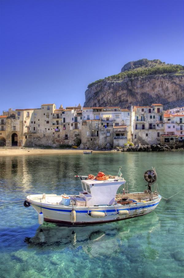 Cefalu-Sicilie (1)