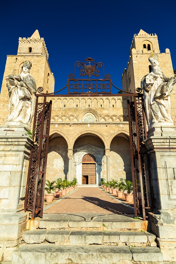 Cefalu-Sicilie-kathedraal-2