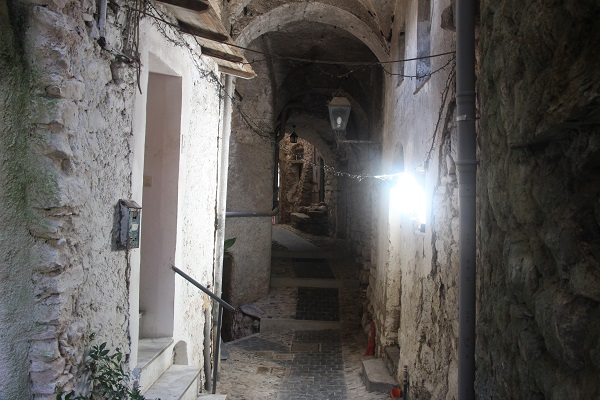 Pigna-Liguria-Holiday-Homes (14)