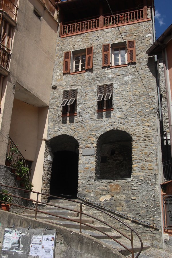 Pigna-Liguria-Holiday-Homes (2)