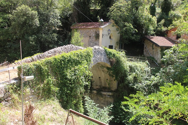 Pigna-Liguria-Holiday-Homes (22)