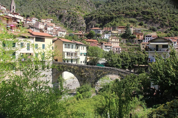 Pigna-Liguria-Holiday-Homes (24)