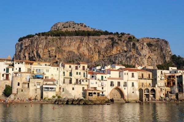 Rocca-Cefalu-Sicilie