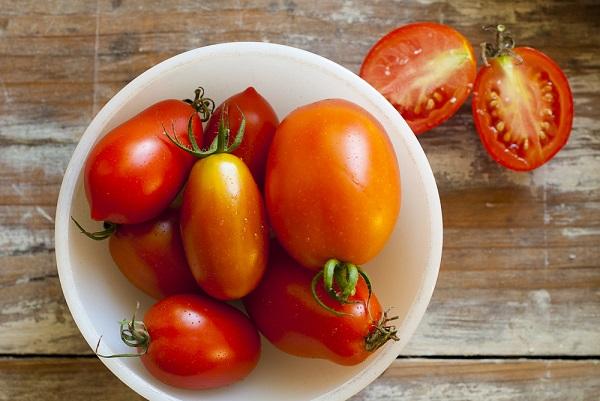 tomaten-schaal