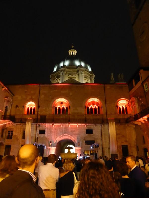 Festa-Opera-Brescia-night-Broletto-cortile