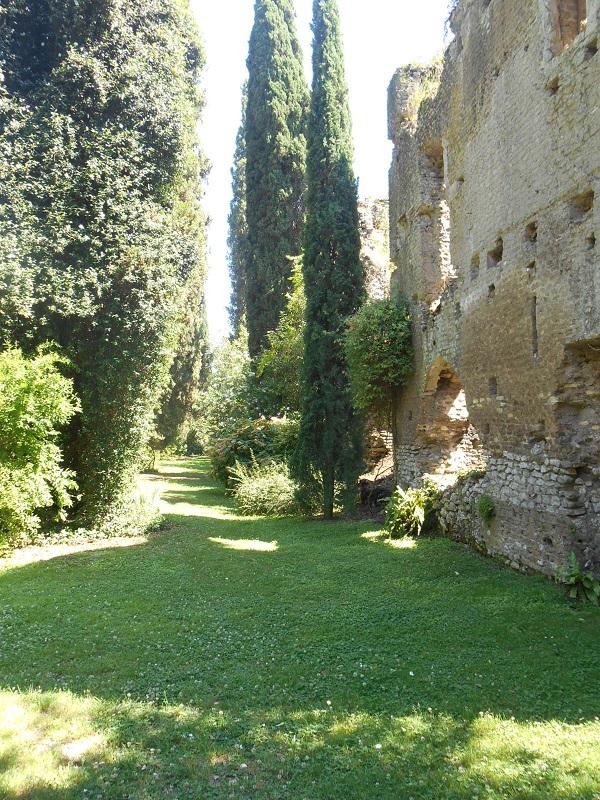 Giardino-La-Ninfa-Lazio-tuin-3