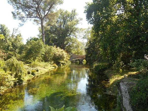 Giardino-La-Ninfa-Lazio-tuin-8