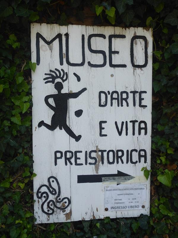 Museo di fronte ai Massi di Cemmo
