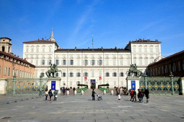 palazzo-reale-piazza-castello-turijn-3