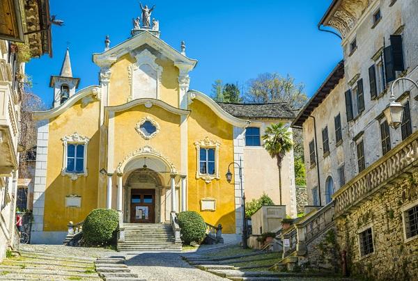 piemonte-lago-orta-kerk