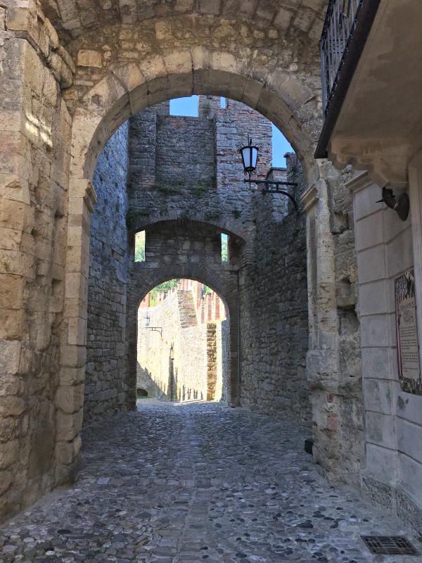 vigoleno-kasteel-2