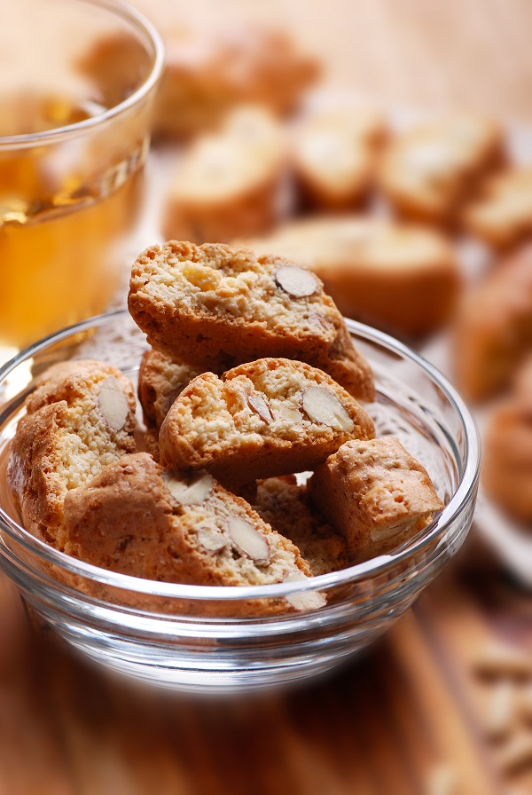 cantucci cookies in glass bowl