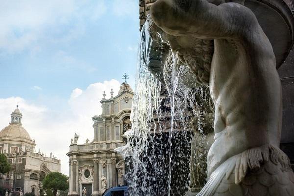 catania-fontein-piazza-duomo-2