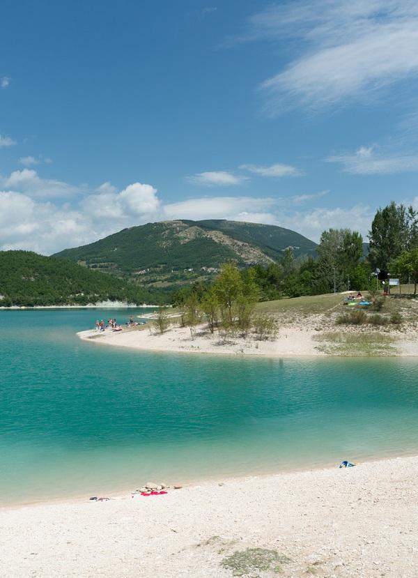 lago-fiastra-monti-sibillini