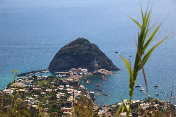 vespa-tocht-verrassend-eiland-ischia-15