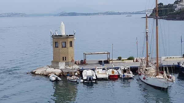 vespa-tocht-verrassend-eiland-ischia-28