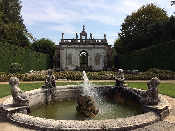 Giardino Barbarigo Een Tuin Vol Watergrapjes Van Bernini