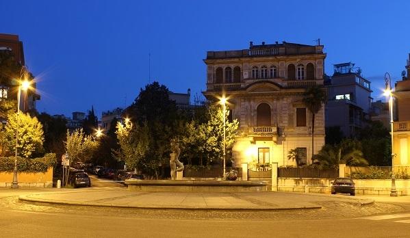 3. Piazza Caprera by night, In de nabijheid van B&B Villa Paganini,