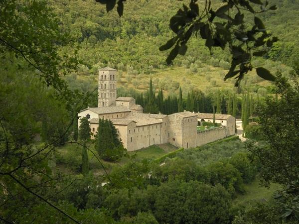 Abbazia-Ferentillo-abdij-Umbrië (1)