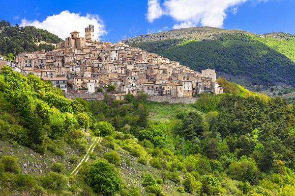 Abruzzo-Castel-del-Monte-1 (2)