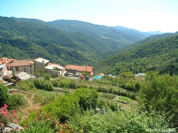 Actief-in-Ligurië-uitzicht-vanaf-huis
