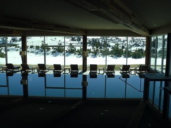 Alpina-Dolomites-Lodge-zwembad