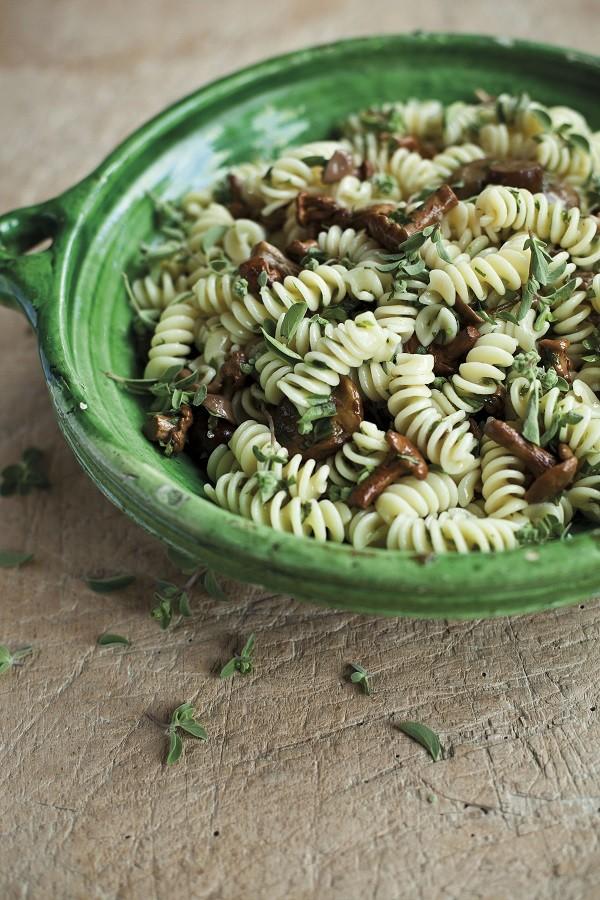 Antonio-Carluccio-pasta-paddenstoelen