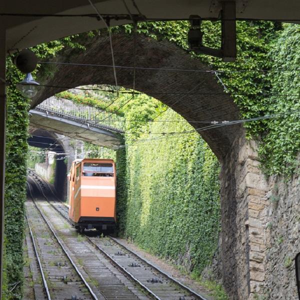 Bergamo-funicolare-tandradbaan