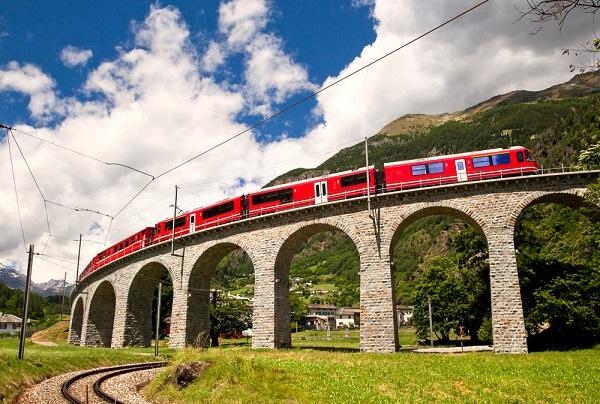 Bernina-Express-Zwitserland-Italië-trein (2)