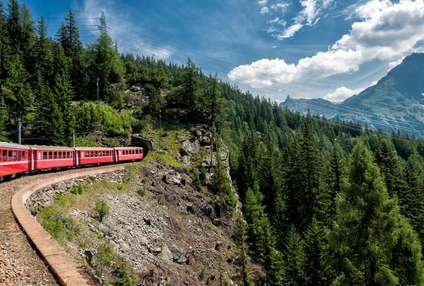 Bernina-Express-Zwitserland-Italië-trein (4)