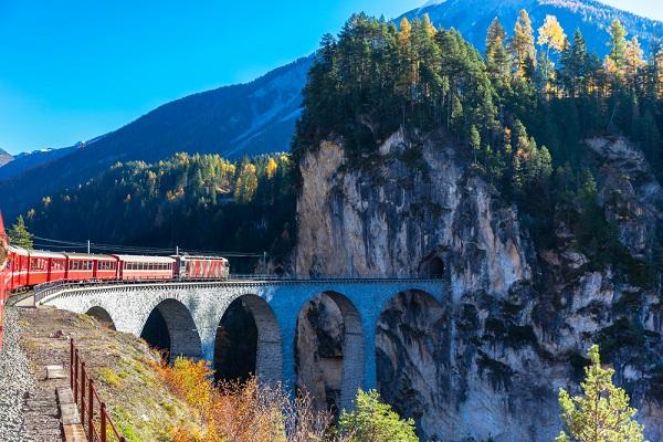 Bernina-Express-Zwitserland-Italië-trein (8)