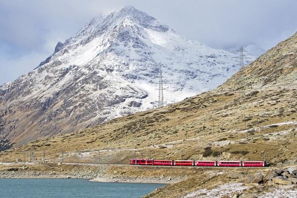 Bernina-Express-Zwitserland-Italië-trein (9)