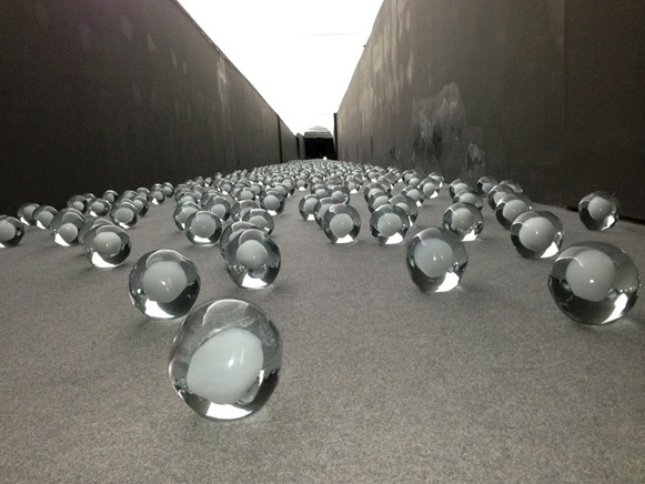 Biennale-700-snowballs