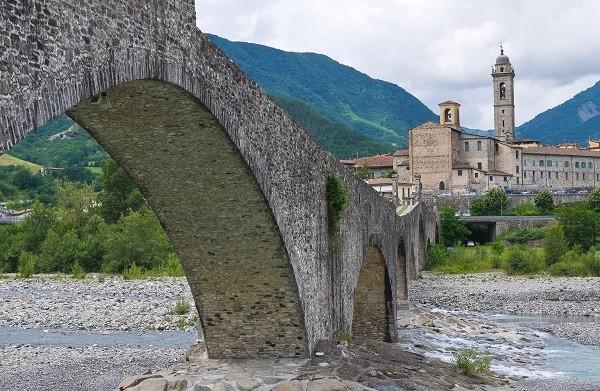 Bobbio-brug-Gobbo-gebocheld