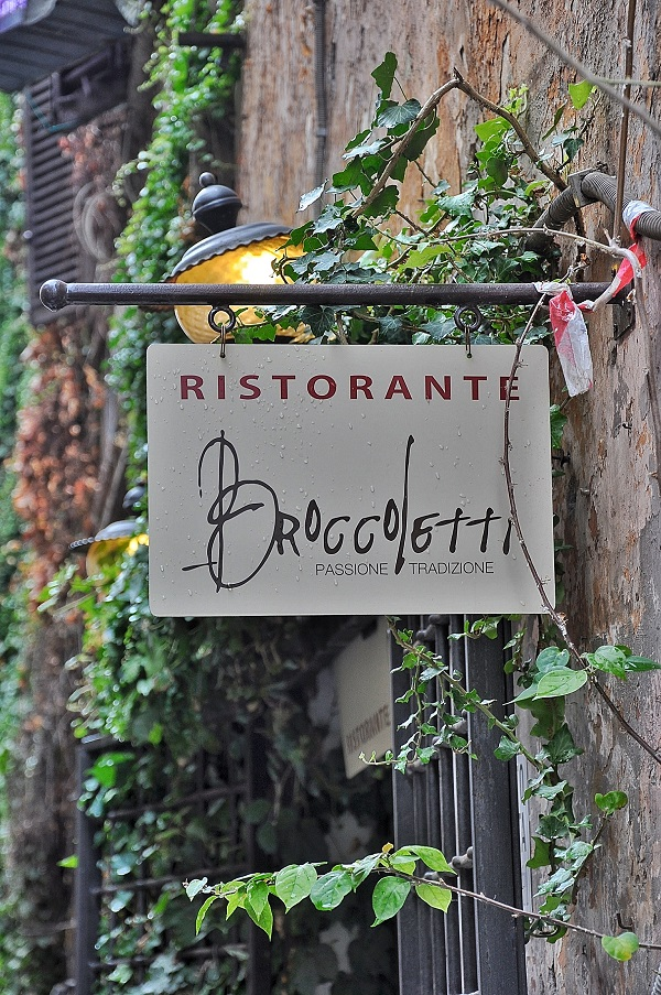 Broccoletti-Via-Urbana-Rome (1)