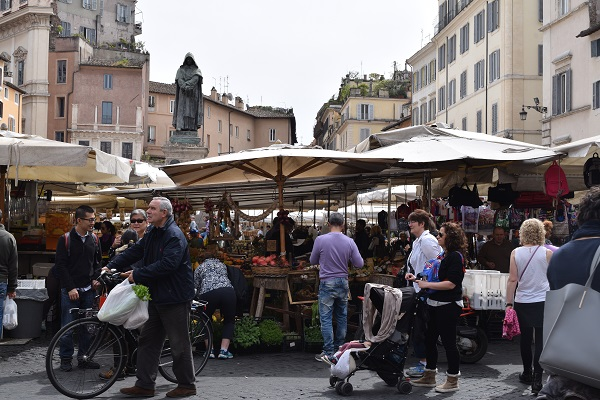 Campo-de-Fiori-markt-Rome (1)