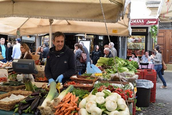 Campo-de-Fiori-markt-Rome (10)