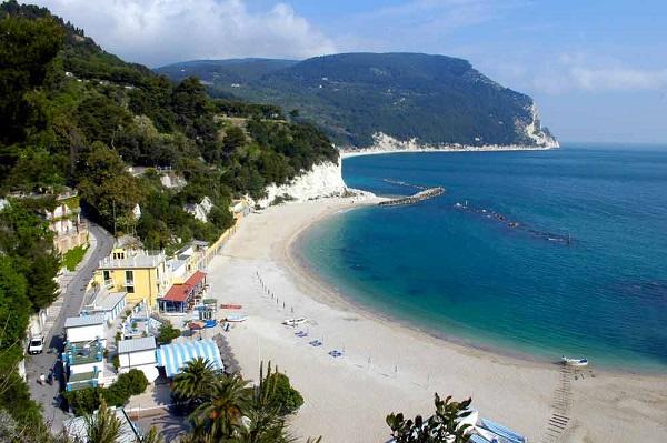 Canalini-Blu-vakantie-Le-Marche-Italië (1)