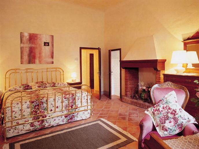 Canonica-di-Corte-Eliza-was-here-Toscane-4