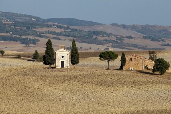 Cappella-Madonna-di-Vitaleta-San-Quirico-Val-Orcia-Toscane (4)