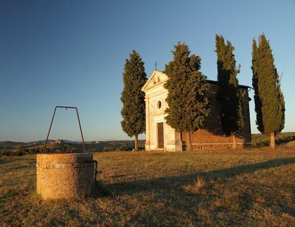 Cappella-Madonna-di-Vitaleta-San-Quirico-Val-Orcia-Toscane