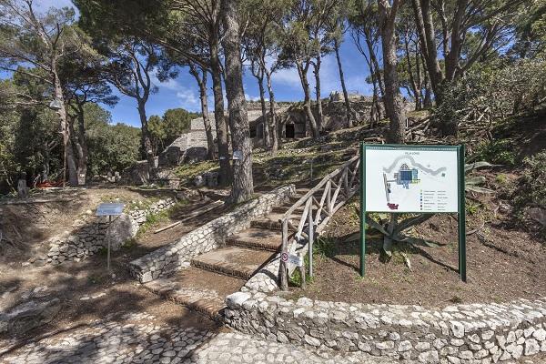 Capri-Villa-Jovis (2)
