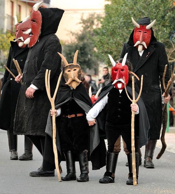 Carnaval-Sardinie-maskers (1)