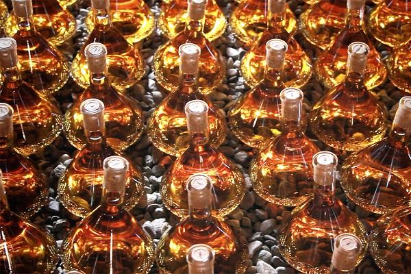 Cascina-Eugenia-Alessi-wijn-flessen (3)