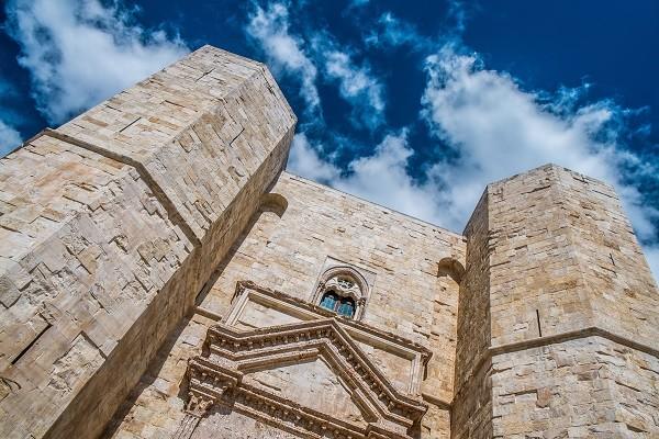 Castel-del-Monte-Puglia