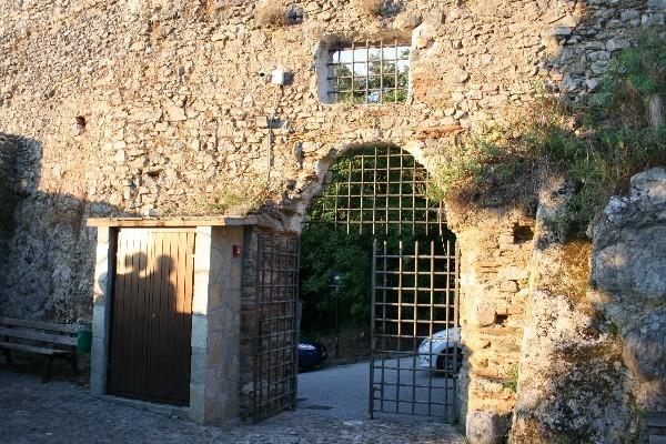 Castello-Aghinolfi-Lunigiana-Toscane (2)