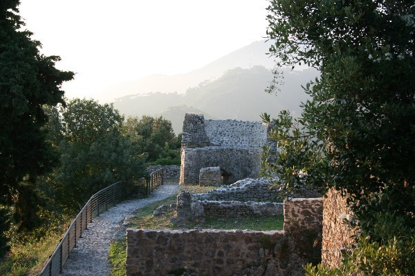 Castello-Aghinolfi-Lunigiana-Toscane (4)
