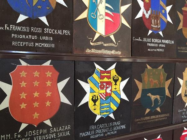 Cavalieri-di-Malta-Rome-wapenschilden (2)