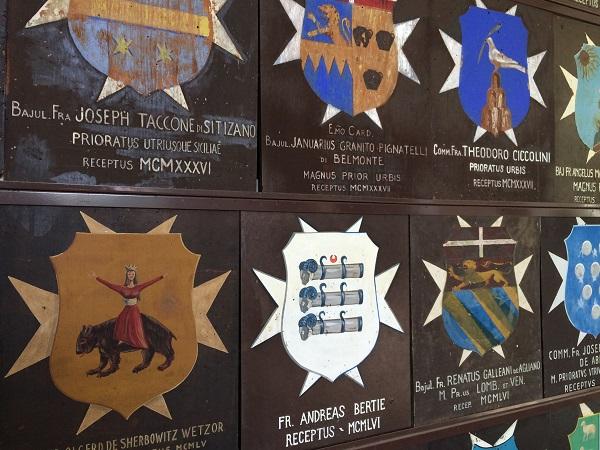 Cavalieri-di-Malta-Rome-wapenschilden (3)